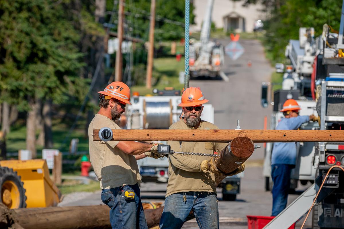FEC Crews work to restore power